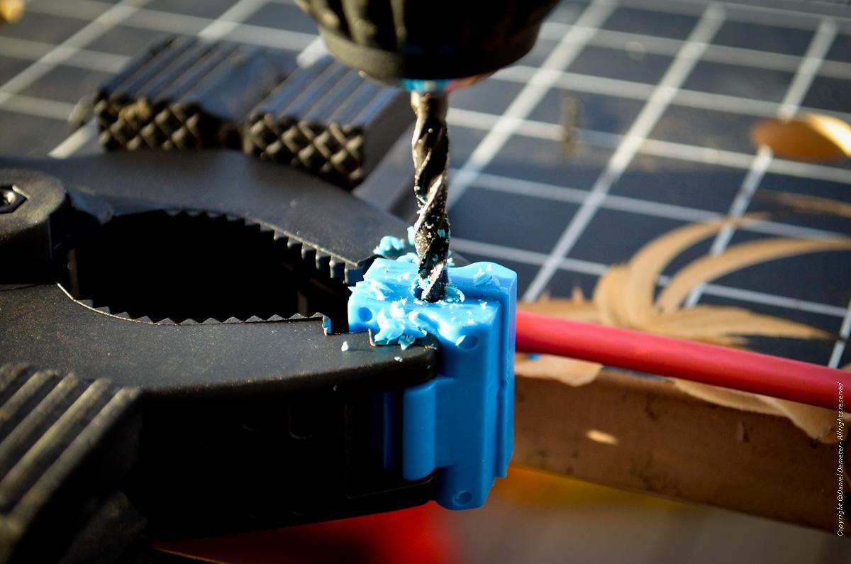 Tillverka spöhållare ismete - borra upp hålet