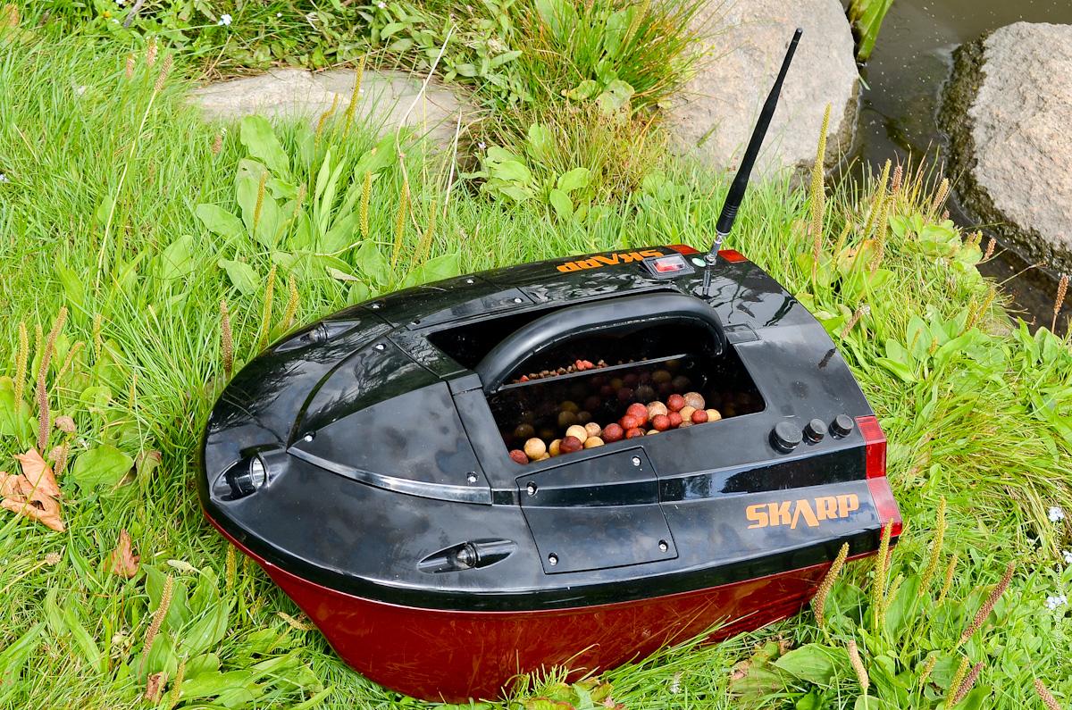Skarp S60 Bait Boat loaded